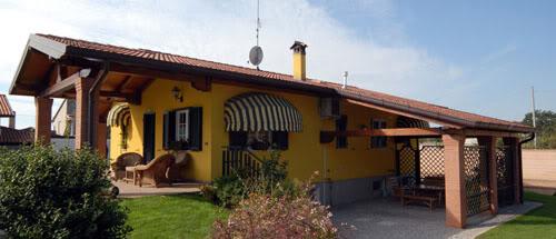 Foto di esterni case climatiche for Case in stile meridionale con avvolgente portico