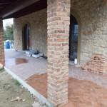 particolare rivestimento pilastri del porticato